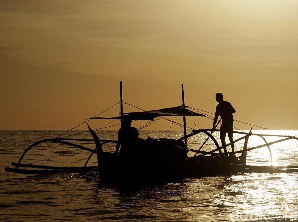 Perahu Penolong Ini Buat Nelayan Miskin Bisa Melaut Lagi
