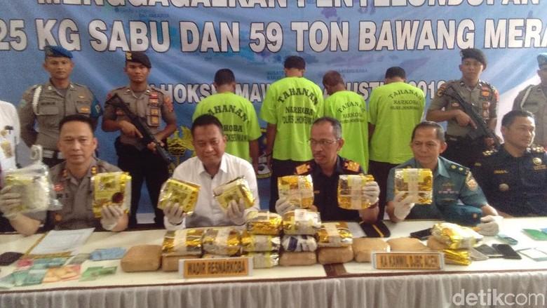 2 Kapal Ditangkap di Aceh Utara Bawa 59 Ton Bawang Ilegal dan 25 Kg Sabu
