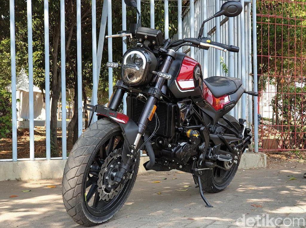 Menjajal Kelincahan Naked Sport 250 cc Benelli