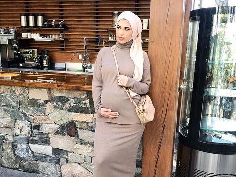 Tips Fashion untuk Hijabers Agar Tetap Nyaman Saat Hamil