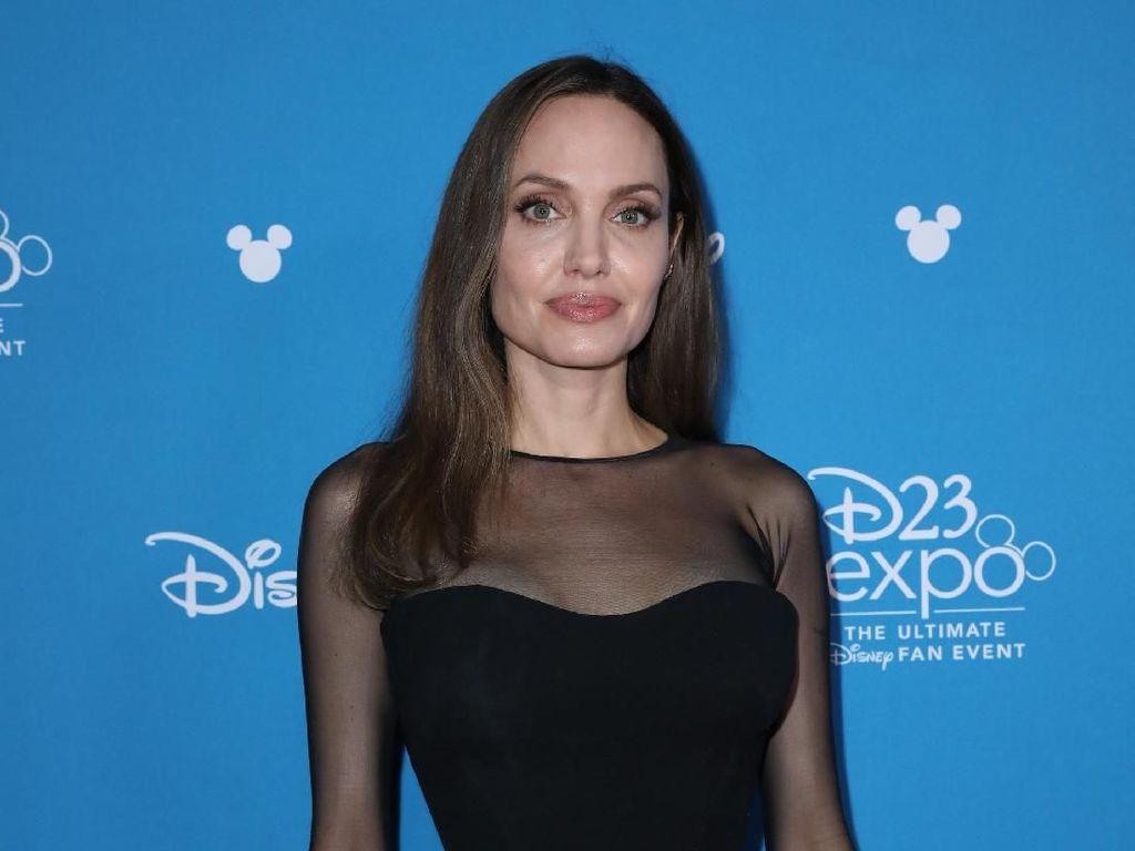 Berambut Pirang, Angelina Jolie Nyaris Tak Dikenali di Marvel The Eternals