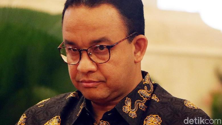Anies Ingin Buat Trotoar Jakarta Multifungsi