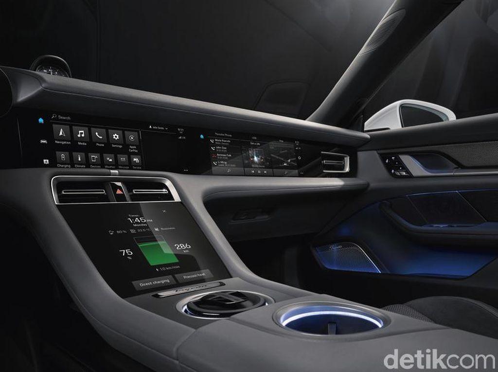 Interior Canggih Porsche Taycan, Bisa Nonton Netflix