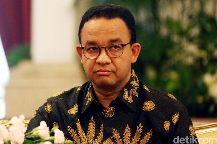 Begini ekspresi Anies Baswedan saat Jokowi resmikan pemindahan ibu kota negara ke Kalimantan Timur.