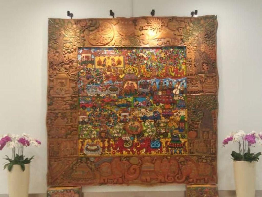 Menhub Apresiasi Pelukis yang Karyanya Menghiasi Terminal 3 Soetta