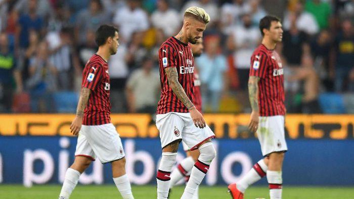 AC Milan terpuruk dalam beberapa musim terakhir karena terlalu sering berganti pelatih (Foto: Alessandro Sabattini/Getty Images)