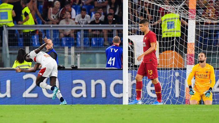 AS Roma dipaksa bermain imbang 3-3 dengan Genoa di pekan pertama Liga Italia (Foto: Andreas SOLARO / AFP)