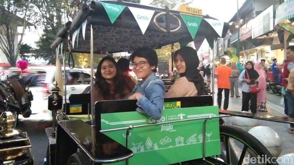 Foto: Jalan-Jalan Sore Naik Grab Andong