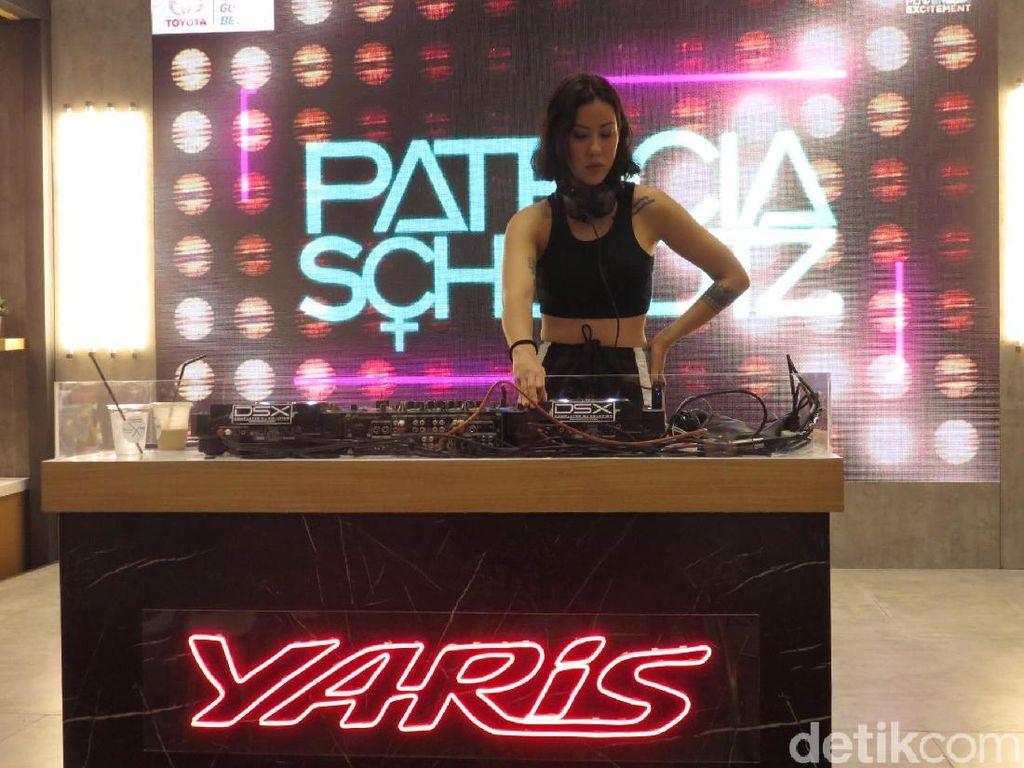 Yaris Beats Corner Hibur Masyarakat Surabaya