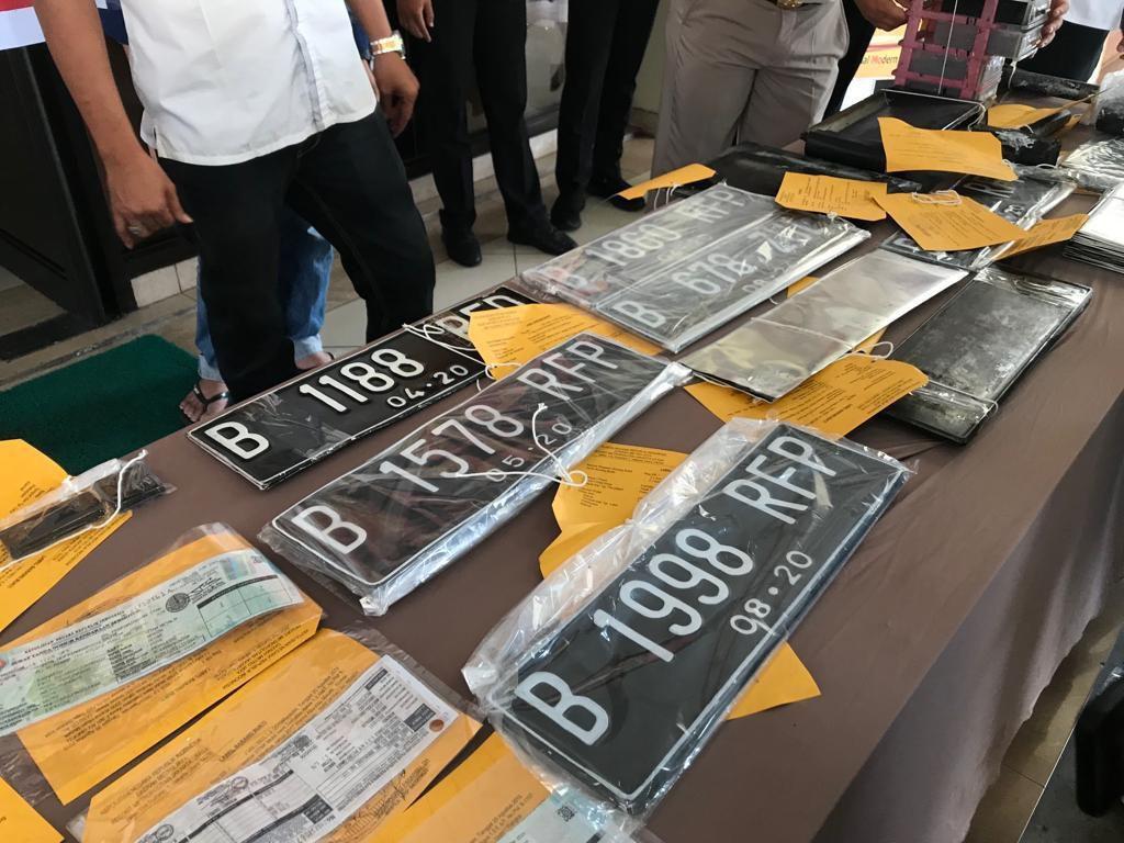 Polisi Sebut Pembeli Nopol Rahasia RFP Palsu untuk Hindari Ganjil-Genap