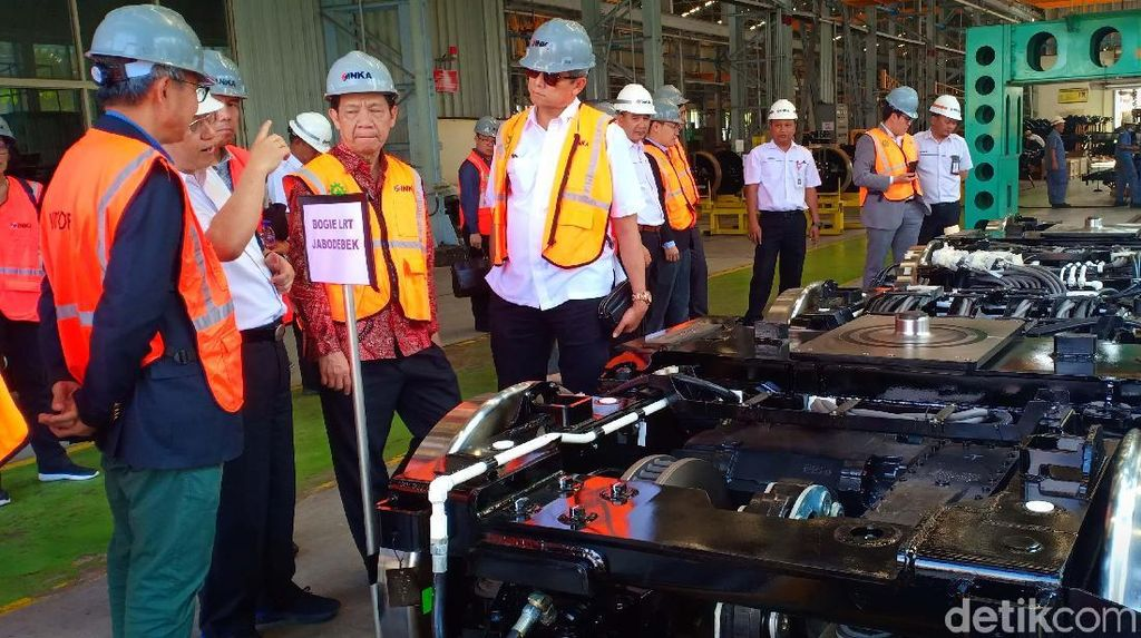 Laos Jajaki Beli Kereta Made in Madiun