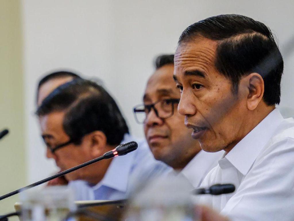 Di Depan Tokoh Papua Jokowi Cerita Sejarah BBM Satu Harga