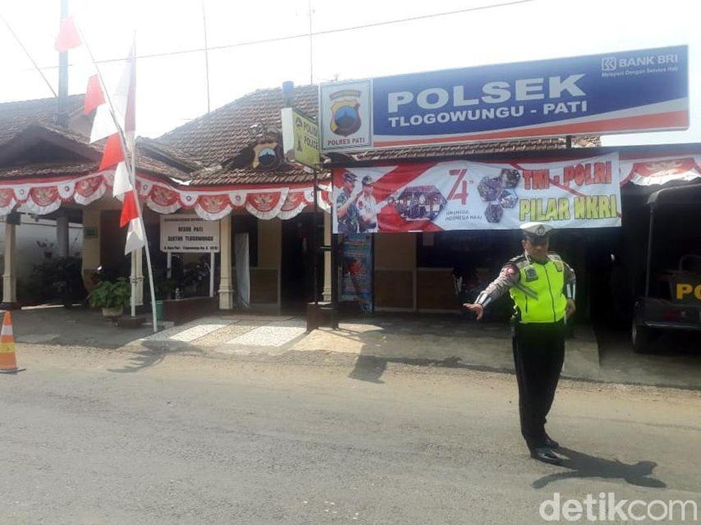 Pengidap Gangguan Jiwa Masuk Mapolsek, Kepala Polisi Dihajar Bacokan