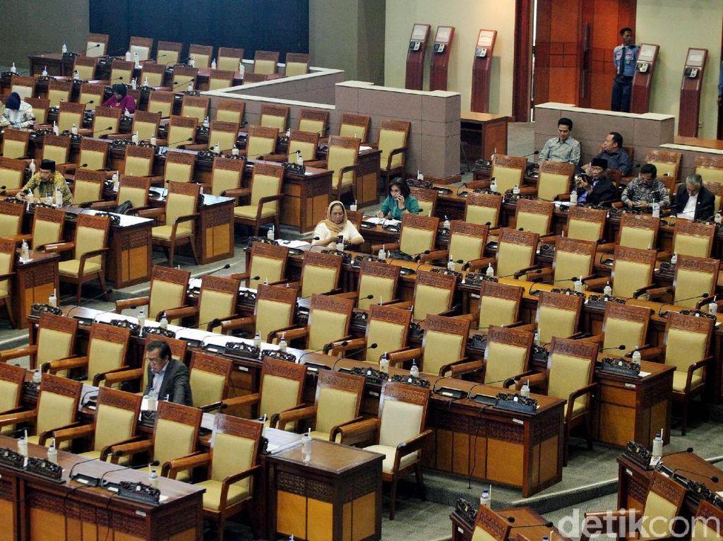 278 Kursi Mahal DPR Berdebu di Rapat Paripurna