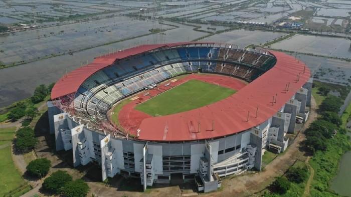 Dispora Kota Surabaya langsung tancap gas merenovasi dan menambah fasilitas di Stadion Gelora Bung Tomo (GBT). Itu dilakukan usai Kota Pahlawan ditunjuk sebagai salah satu kandidat tuan rumah Piala Dunia U-20 2021.
