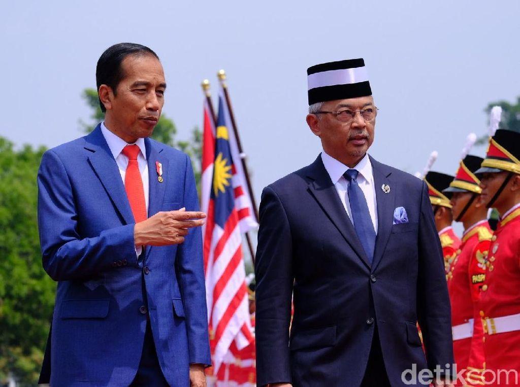 Bertemu Raja Malaysia, Jokowi Bahas WNI Terbelit Hukum hingga Sawit