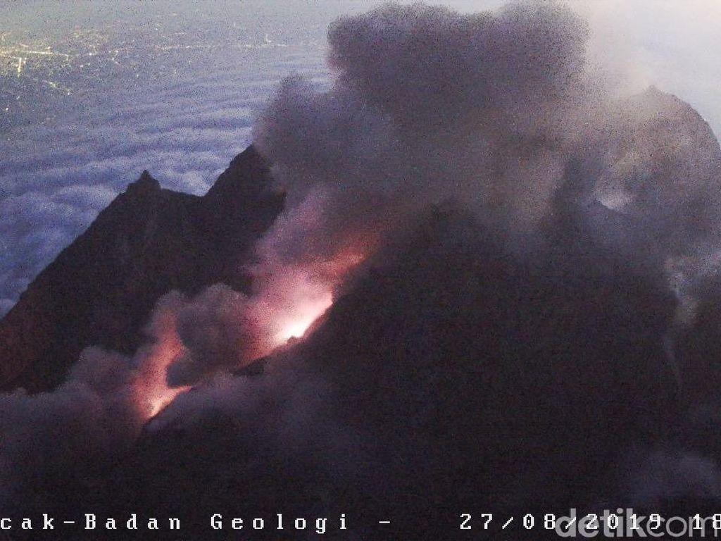 Gunung Merapi Luncurkan Awan Panas Sejauh 2 Km ke Hulu Kali Gendol