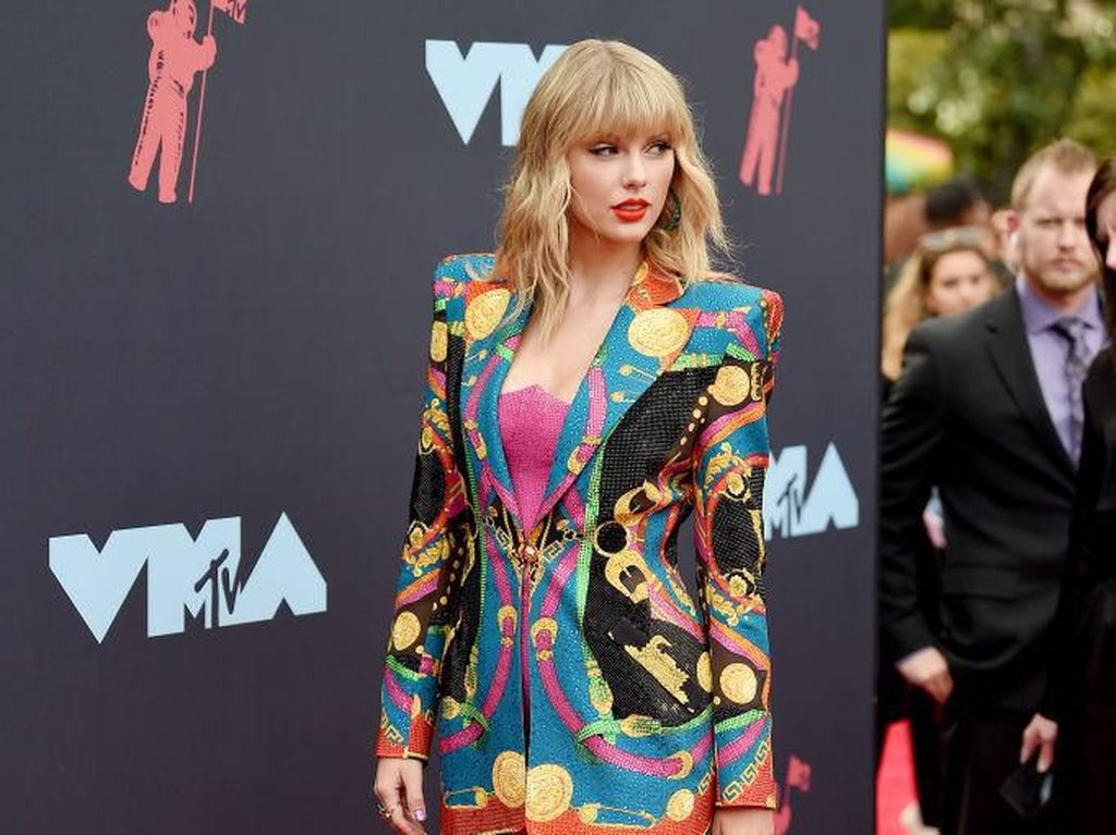 Foto: Daftar Artis Berbusana Terbaik di MTV VMA 2019, Ada Idolamu?