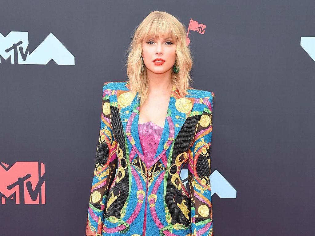 Fans Taylor Swift Geram Idolanya Diolok Vokalis Tool