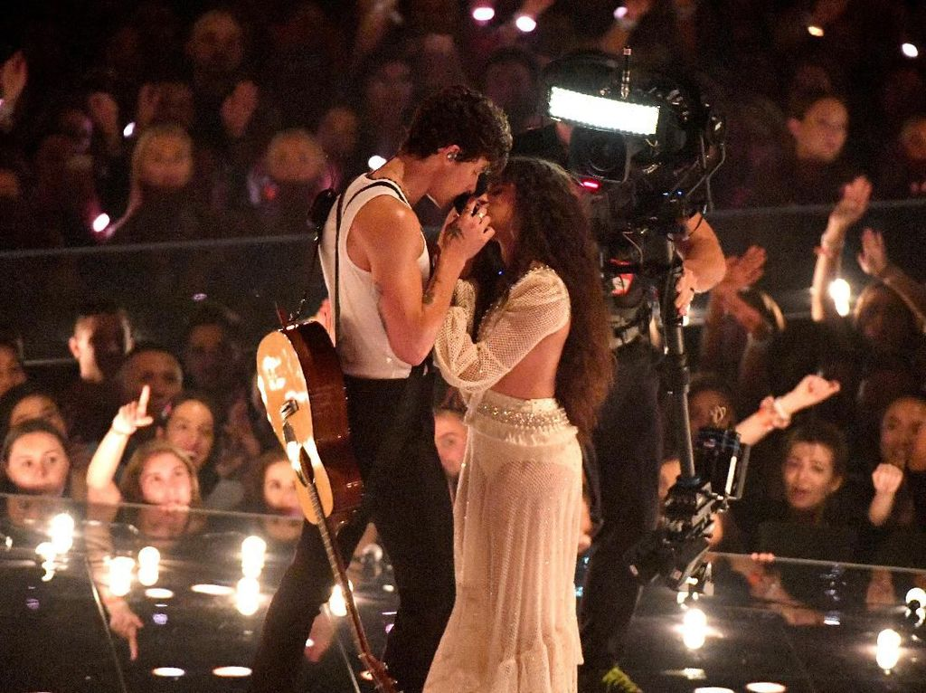 Diwarnai Aksi Intim Camila Cabello-Shawn Mendes, Ini Pemenang MTV VMA 2019