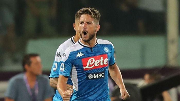 Arsenal dilaporkan berminat merekrut striker Napoli, Dries Mertens (Foto: Gabriele Maltinti/Getty Images)