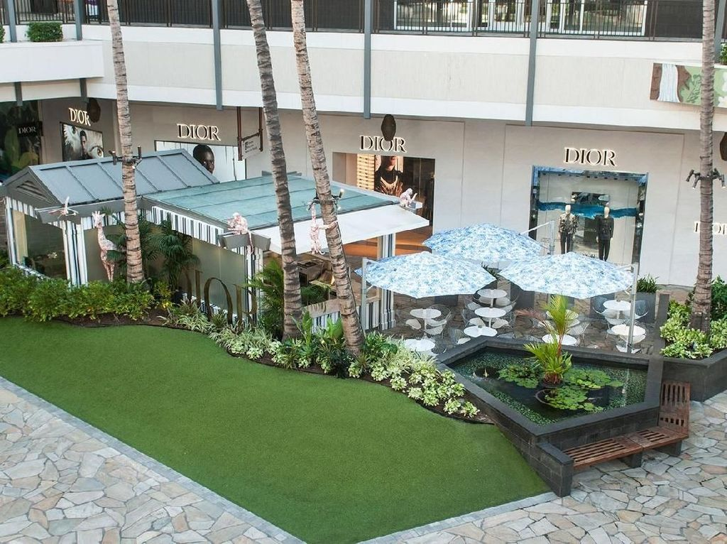 Dior Kembali Resmi Membuka Kafe Instagrammable di Hawaii