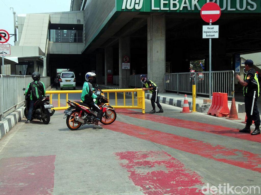 Integrasi Ticketing, Pemprov DKI Bakal Gandeng Taksi-Ojol