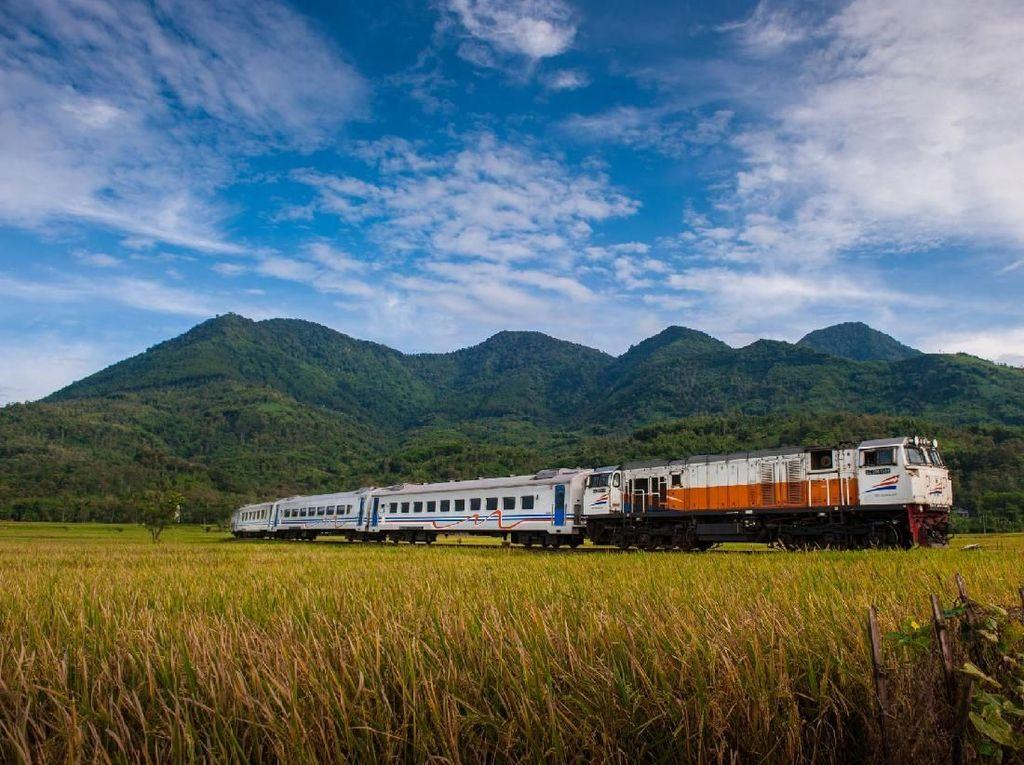 Dua Perjalanan Kereta Api Rute Medan-Binjai Dikurangi