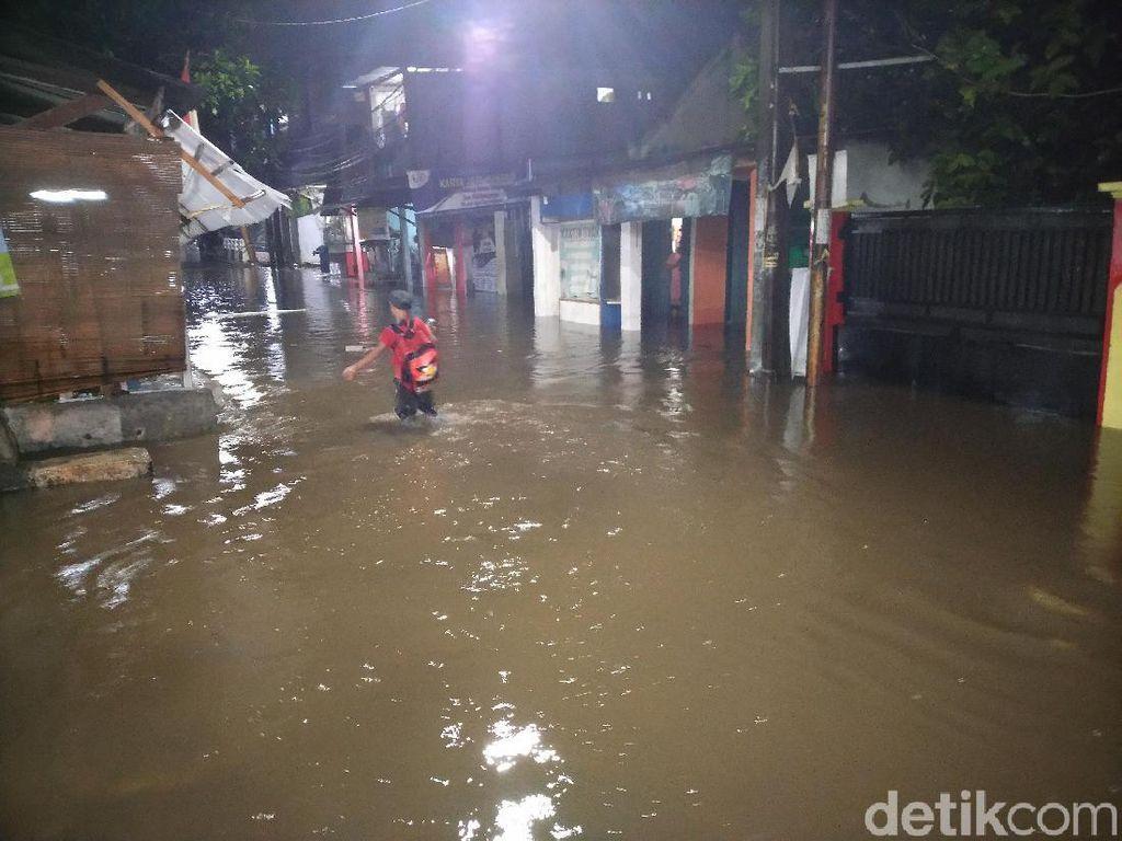 Hujan Deras, Banjir Rendam Kawasan Citayam Bogor