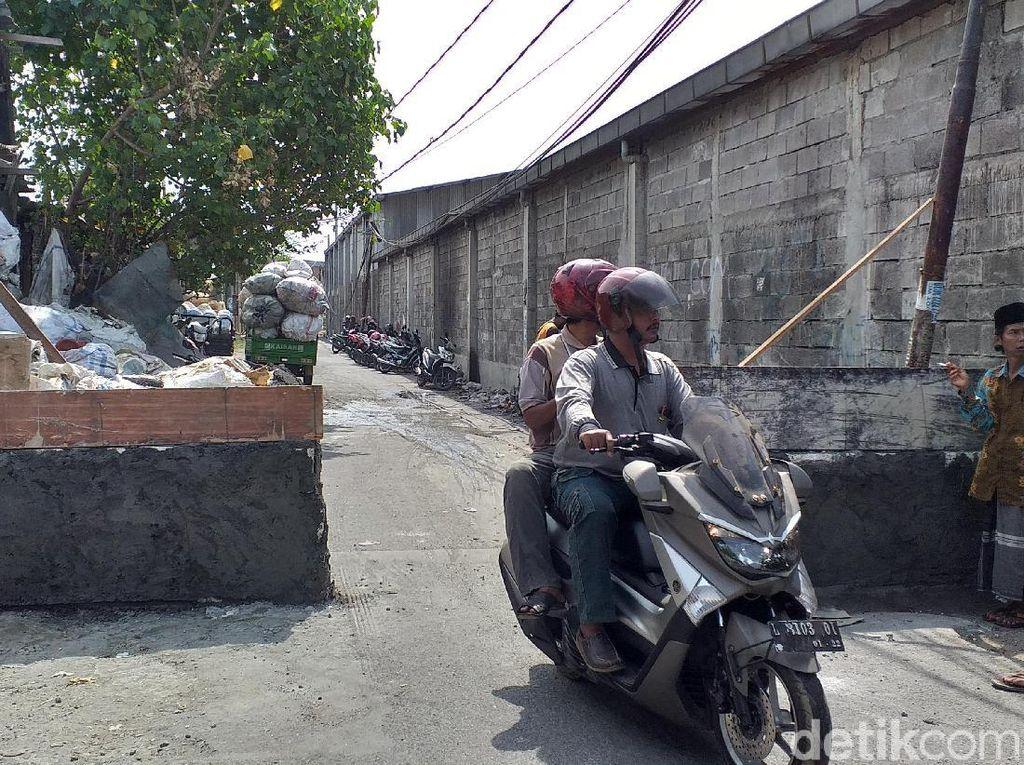 Viral, Jalan Umum di Surabaya Diblokir Warga dengan Tembok