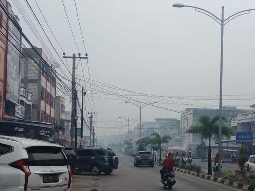 Satgas Bikin Embung Air untuk Padamkan Karhutla di Bengkalis Riau