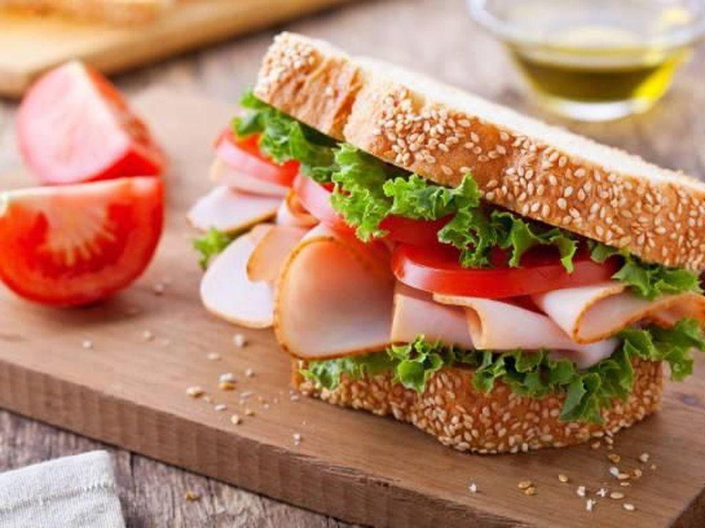 7 Tips Penting Memotong Sandwich yang Perlu Kamu Tahu