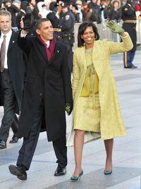Karya Isabel Toledo yang digunakan Michelle Obama dikala inaugurasi Barack pada 2009.