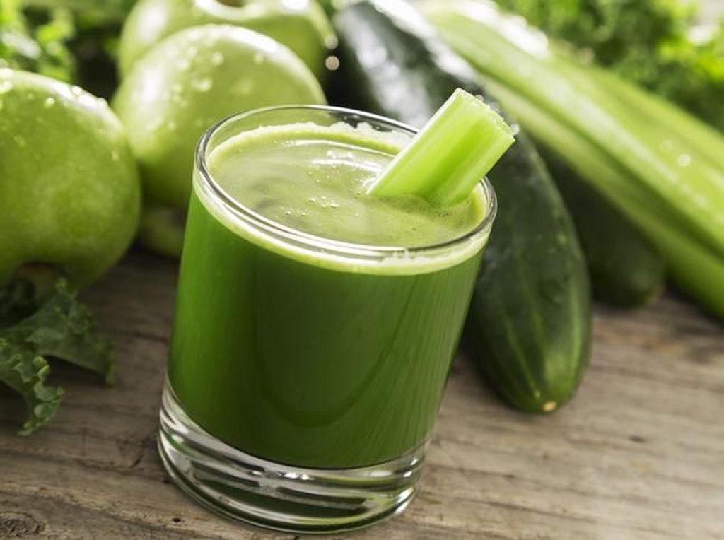 Buah dan Sayur Utuh Vs Dibuat Jus, Mana yang Lebih Sehat?