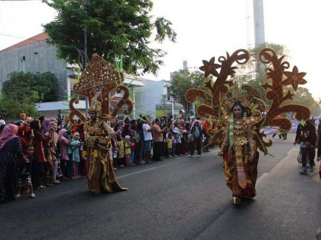 Karnaval Kostum Unik di Solo Batik Carnival