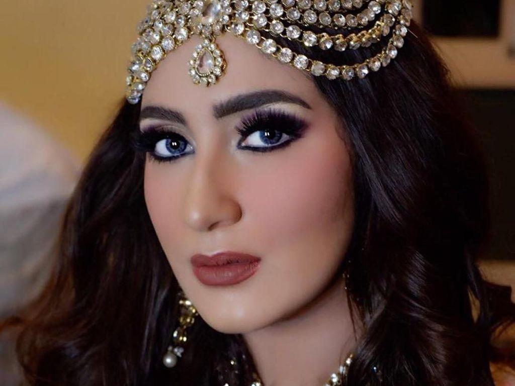 Foto: Pesona Tania Nadira yang Dijuluki Kareena Kapoor-nya Indonesia
