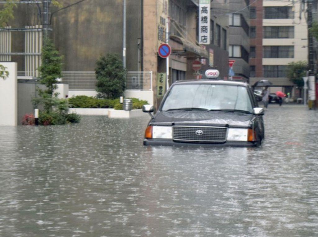 Jepang Perintahkan 240 Ribu Warga Mengungsi karena Ancaman Banjir