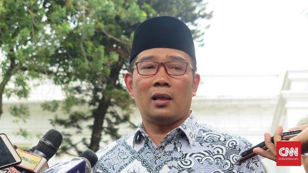 Gubernur Jawa Barat Ridwan Kamil ingin memotong gaji dan tunjangan PNS selama empat 4 bulan untuk dipakai menangani wabah corona
