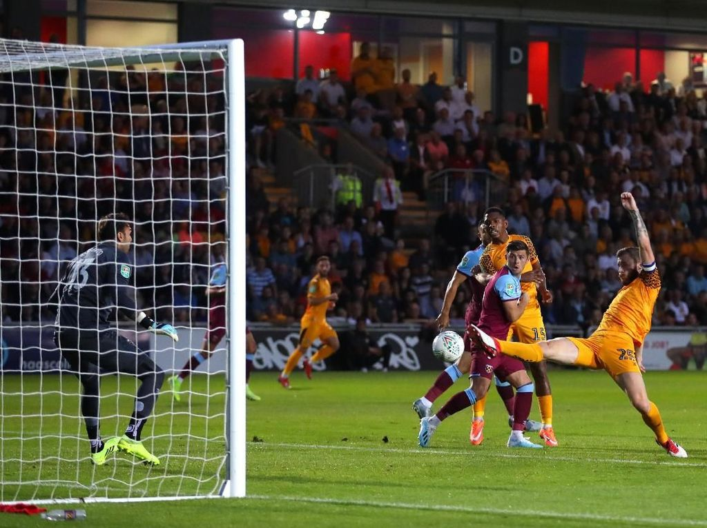West Ham ke Babak Ketiga Piala Liga Inggris, Palace Tersingkir