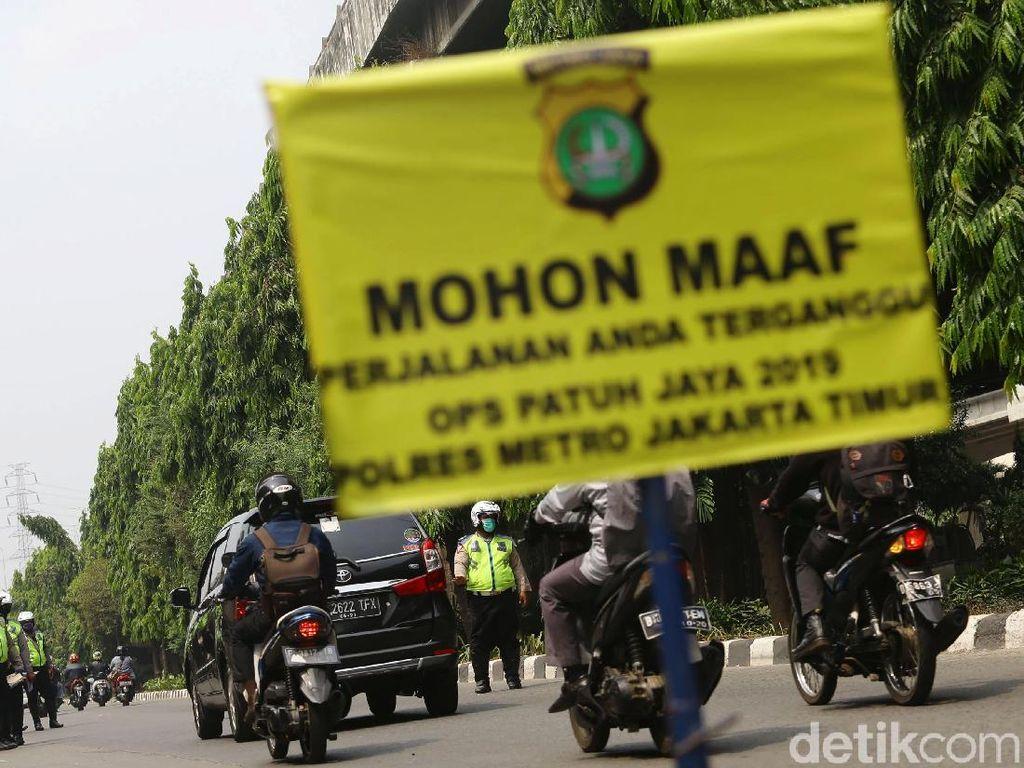 Operasi Patuh Jaya di Jaktim, Polisi Tangkap Pemotor Bawa Ganja 1 Kg