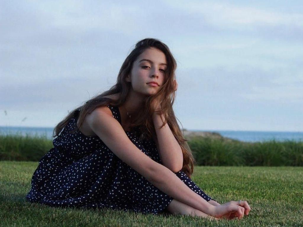 10 Potret Putri Catherine Zeta-Jones yang Makin Cantik di Usia 18