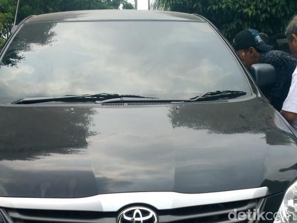 Saksi Mengungkap Kisah Mobil Berisi Mayat Terbakar