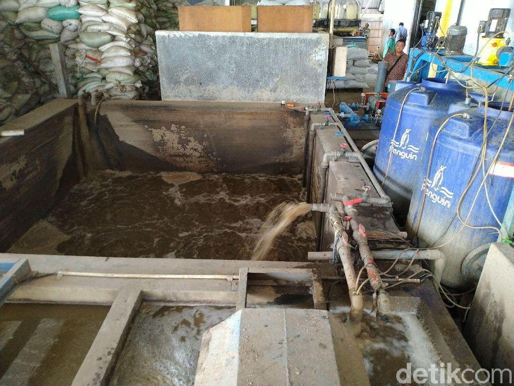 Tim Dinas Lingkungan Sidak ke Pabrik Sekitar Sungai Cileungsi