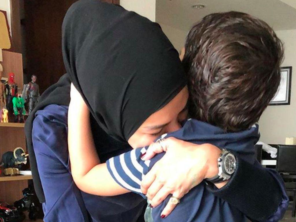 Terancam Masuk Penjara Lagi, Nikita Mirzani Titipkan Anak ke Sahabat