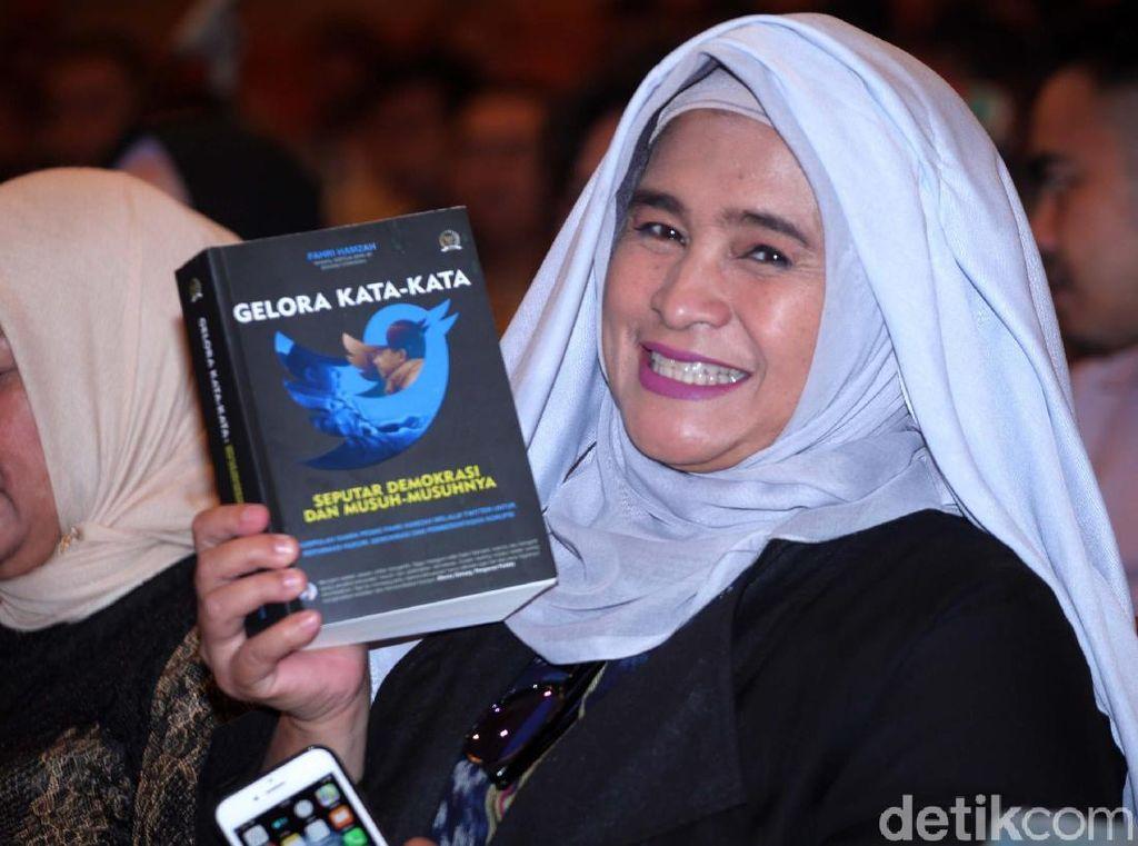 Bakal Ikut Prabowo Merapat ke Jokowi? Ini Tanggapan Neno Warisman