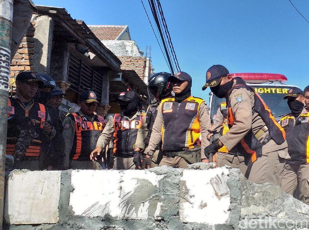 Tembok yang Memblokir Jalan Dibongkar, Pemilik Tanah Ancam Blokir Kembali