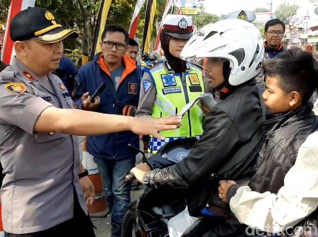 Operasi Patuh Lodaya, Polisi Tasik Ongkosi Penumpang yang Tanpa Helm