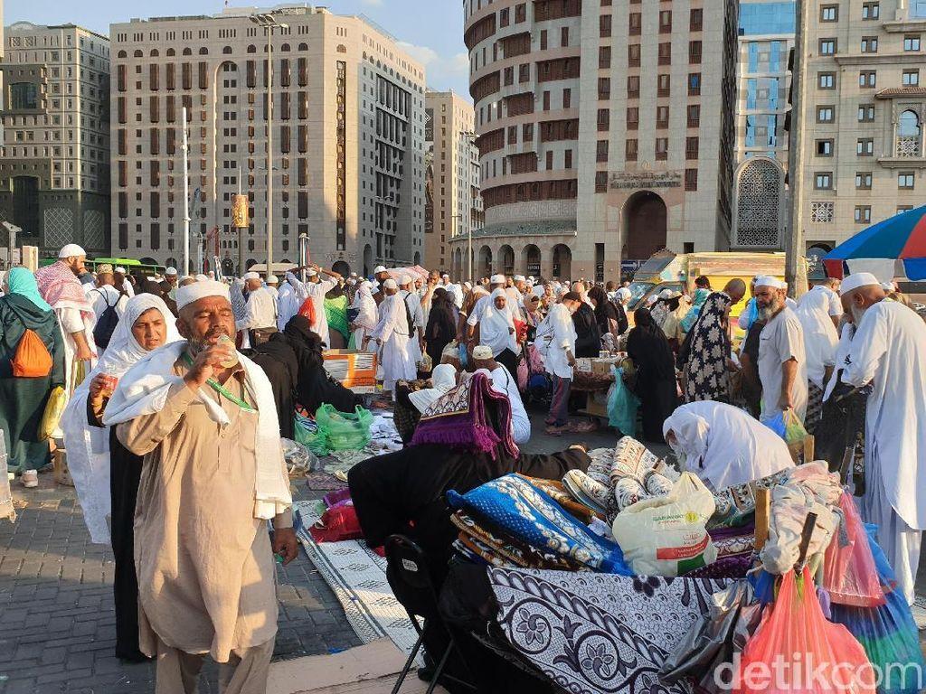 Arab Saudi Izinkan Turis Bukan Muhrim Menginap Sekamar