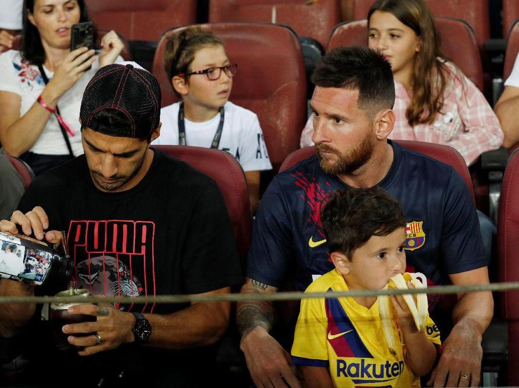 Kontrak Messi Bocor ke Publik, Suarez: Jahat!