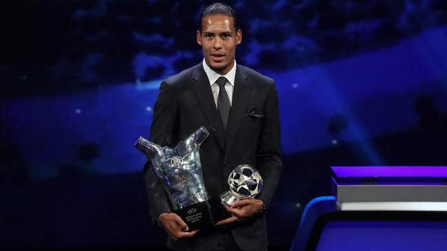 Virgil van Dijk pemain terbaik Eropa (Valery HACHE / AFP)